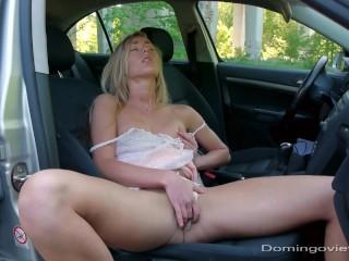 Larina, masturbating in the car (full movie)