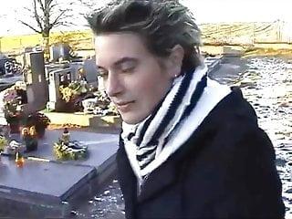 Crazy sex in the cemetery