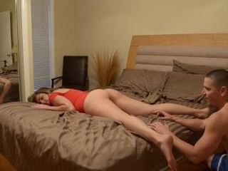 Drunk blonde wakes up random guy at party. He sobers her up.