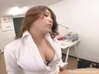 OFFICE BOSS PEGGING HER EMPLOYEE part 2