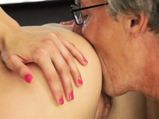Old man porn She already had no feelings for her boyally,