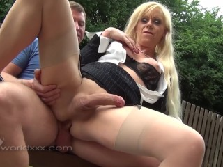 Trans MILF Joanna Jet has anal sex with hot guy