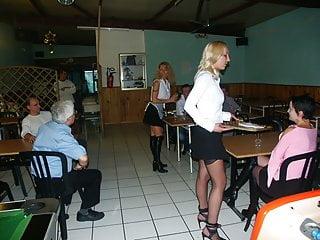 3 serveuses MILFs au restaurant