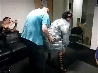 Bjorn krijgt striptease