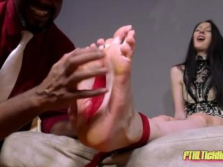 Laughing Lady Crooks! Pt. 56: Ekaterina's Tickle Interrogation!