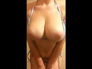 Big naturals boobs on cam