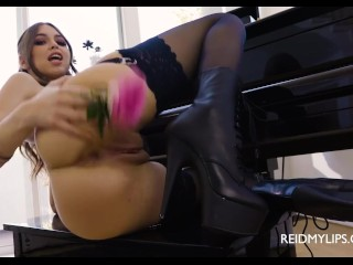 Solo Piano Tease with Riley Reid - JOI