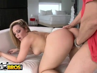 BANGBROS - Blonde PAWG Alexis Texas Shows Off Her Flawless Body