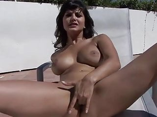 Beautyful Sunny Leone by the Pool